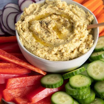 Roasted Cauliflower Hummus with veggies