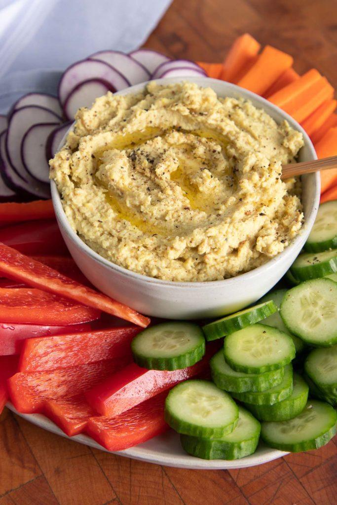 Roasted Cauliflower Hummus with veggies