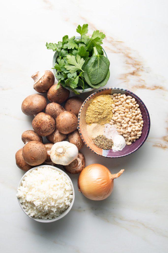 Ingredients: onion, garlic, mushrooms, cauliflower rice, spices, parsley, spinach.