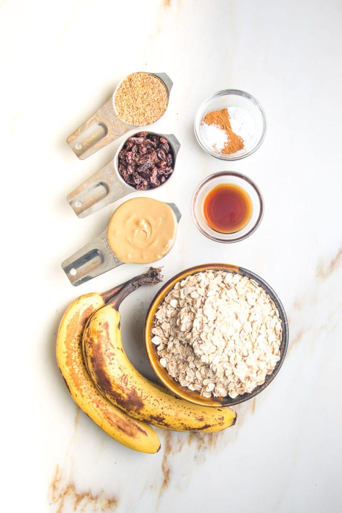 Bananas, oatmeal, peanut butter, raisins, flax meal, spices and vanilla.